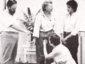 Virginia Satir családszobor készítés közben
